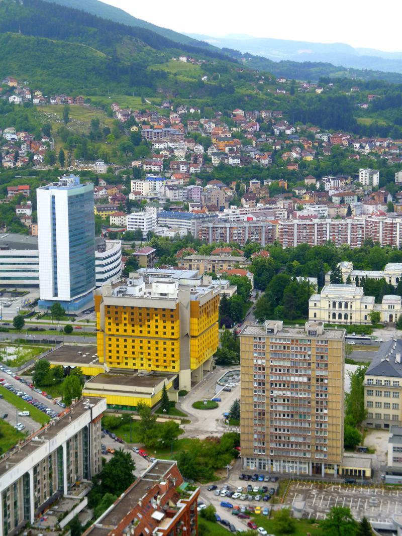 Ausblick auf Sarajevo vom Avaz Twist Tower