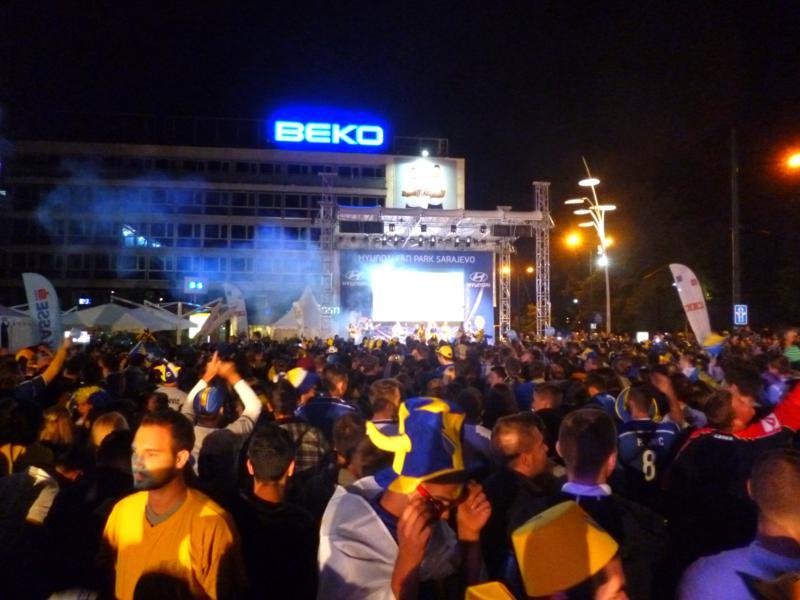 Public Viewing Bosnien-Herzegowina gegen Argentinien in Sarajevo zur FIFA Fußball-Weltmeisterschaft 2014