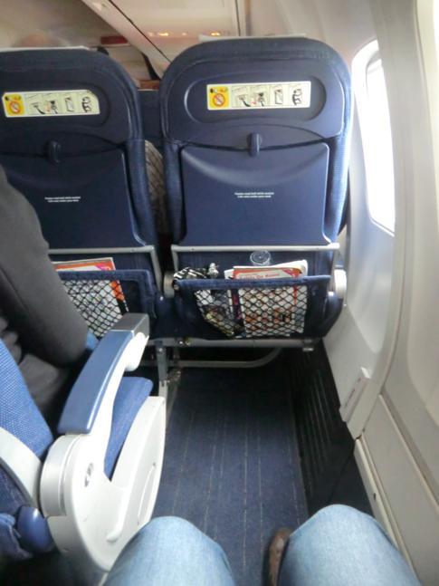 Ein Platz am Notausgang während des Fluges mit Scandinavian Airlines