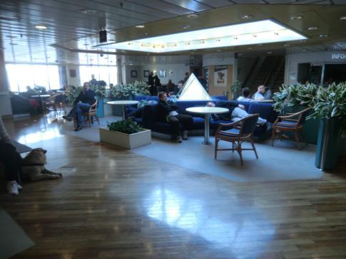 Aufenthaltsbereich auf der MS Sassnitz von Scandlines