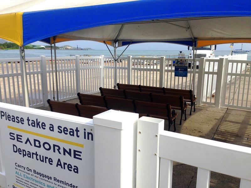 Die Departure Lounge im Seaplane Terminal von Seaborne Airlines auf St. Croix