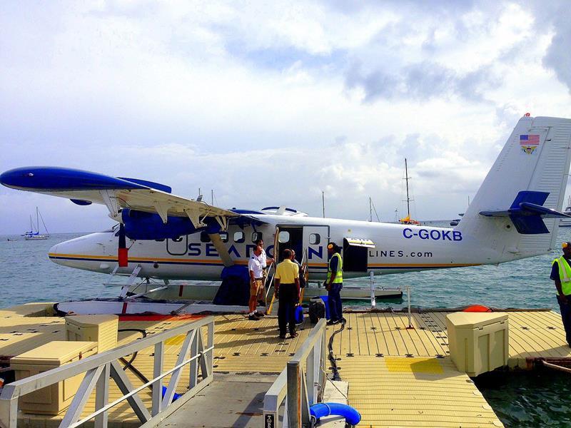 Das Wasserflugzeug von Seaborne Airlines im Seaport von St. Croix