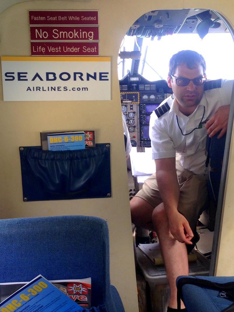 Sicherheitseinweisung der Piloten bei Seaborne Airlines