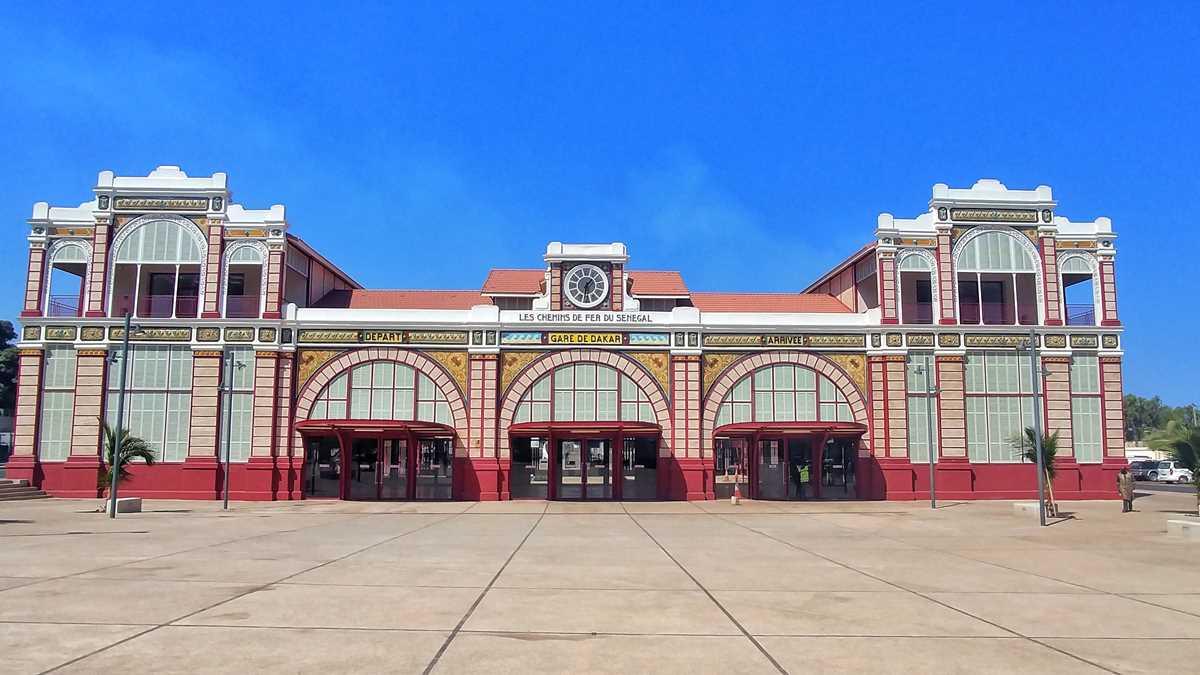 Der wunderschöne Bahnhof von Dakar in Senegals Hauptstadt