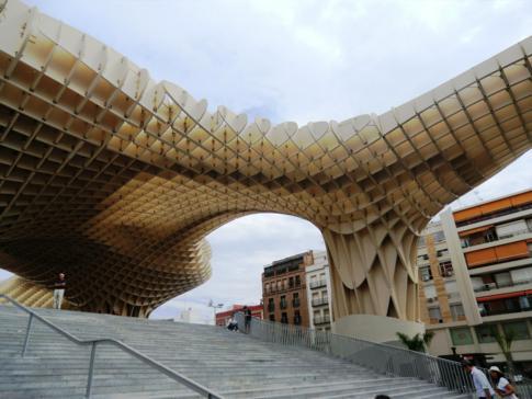 Moderne Architektur - Metropol Parasol, die Waffel von Sevilla