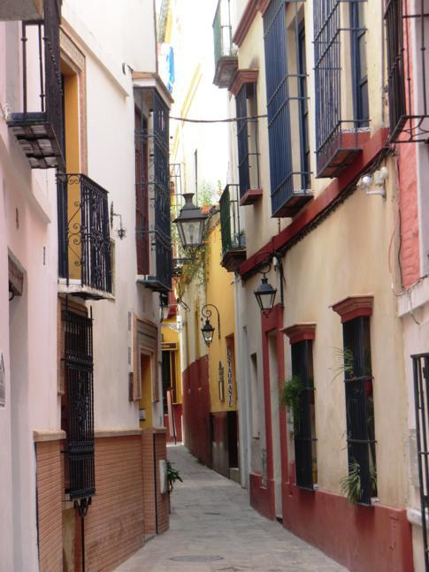 Enge Gassen in der Juderia von Sevilla