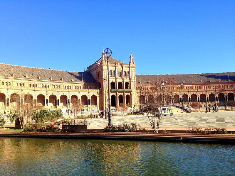 Der wunderschöne Plaza Espana in Sevilla