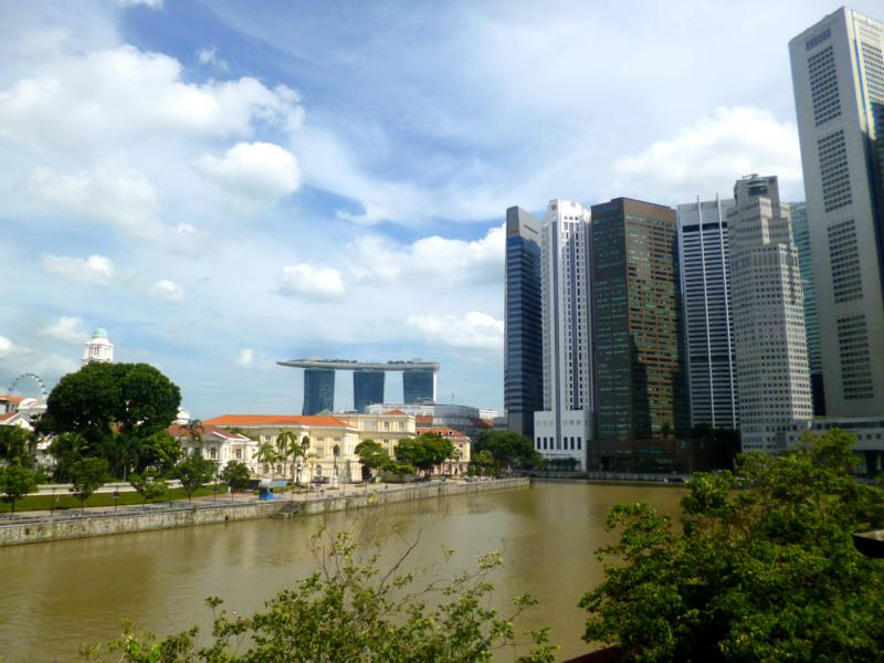 Ausblick vom Hostel 5Footway Inn Project Boat Quay auf den Finanzdistrikt von Singapur