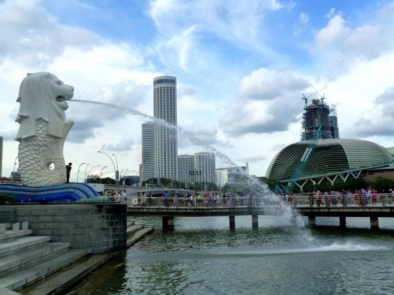 Der Merlion in der Marina Bay, das Wahrzeichen von Singapur