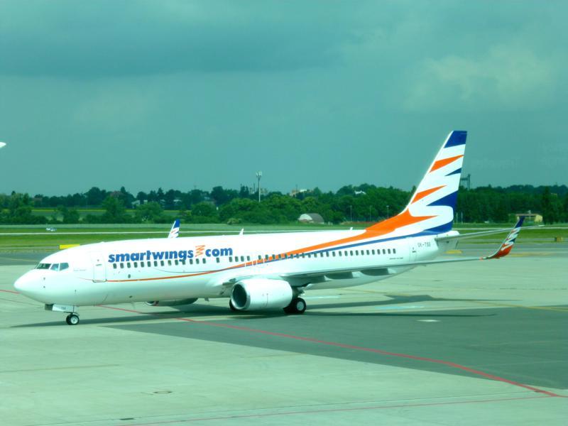 Ein Smartwings-Flugzeug auf dem Vaclav Havel Airport in Prag