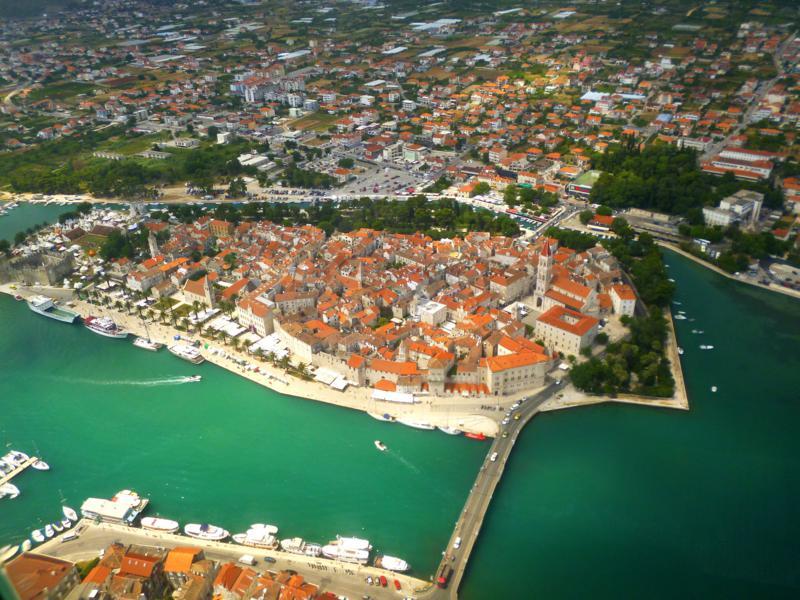Trogir, eine Stadt an der Küste von Dalmatien in Kroatien