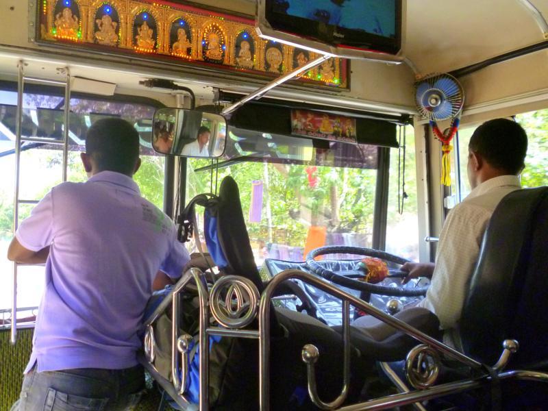 Ein typischer Bus in Sri Lanka