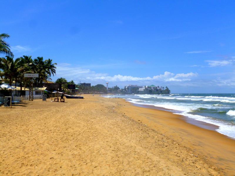 Der Mount Lavinia Beach südlich von Colombo