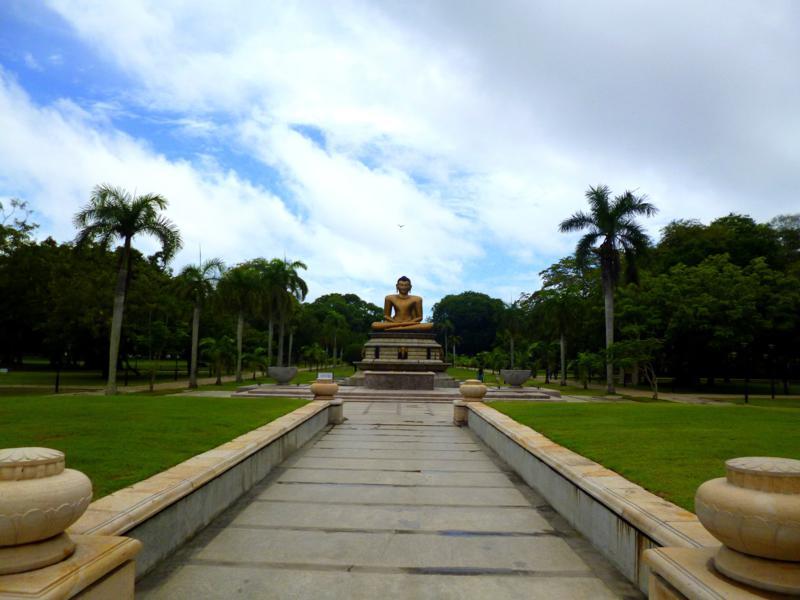 Der Viharamahadevi Park, eine der seltenen grünen Oasen in Colombo