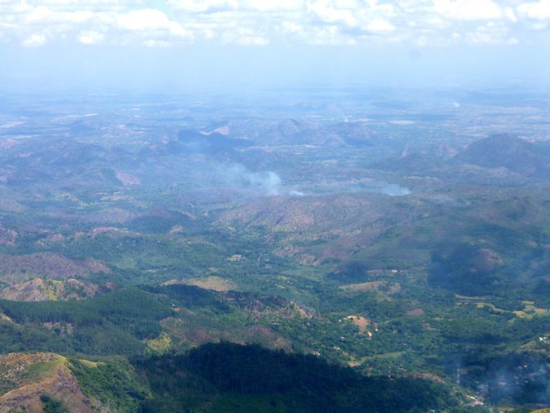 Ausblick vom Liptons Seat auf das Flachland von Sri Lanka und Udawalawe