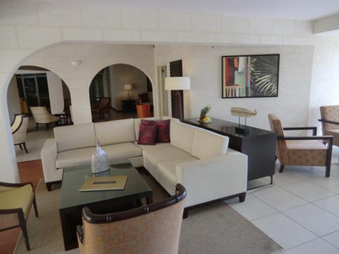 Die Lobby des Hotel Blu, ein neu renoviertes Resort in St. Lucia