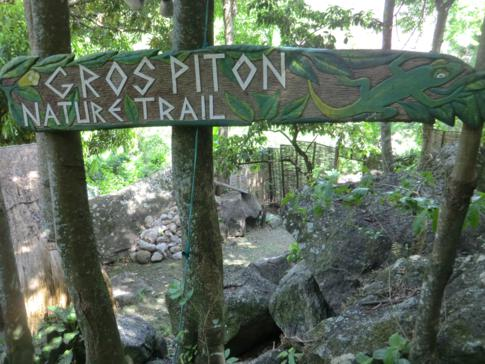 Das Welcome Sign und Auftaktschild für die Wanderung zum Großen Piton