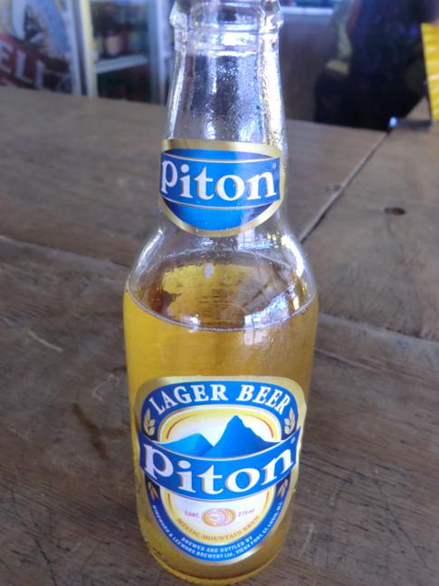 Das Nationalgetränk von St. Lucia: ein Bier der Marke Piton