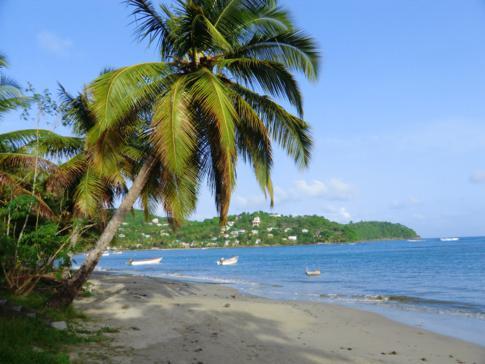 Ein wunderschöner Traumstrand der Karibik in der Bucht von Laborie