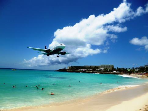 Weiter ging es mit US Airways - beeindruckende Szenen am Maho Beach
