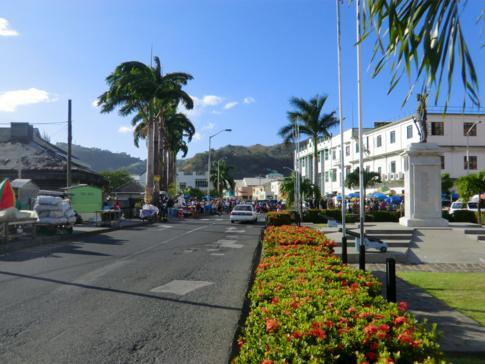 Modernes Kingstown an der Lower Bay Street