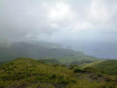 Blick vom Gipfel des La Soufriere in Richtung Westküste von St. Vincent