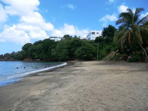 Der Villa Beach im Süden von St. Vincent