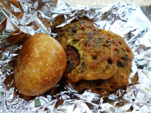 Leckeres Street Food auf dem Weg in den Norden von St. Vincent