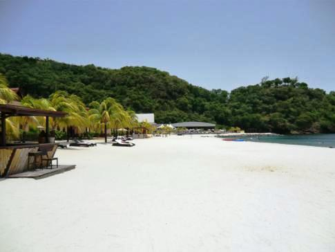 Der Buccament Bay Beach in St. Vincent