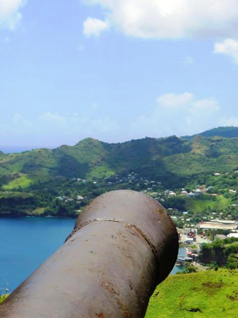 Kanonen im Fort Charlotte oberhalb von Kingstown
