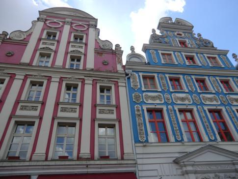 Schöne Fassaden am alten Rathausplatz