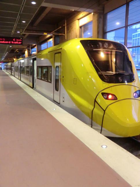 Der Arlanda Express vom Stockholmer Haupbahnhof zum Flughafen Arlanda