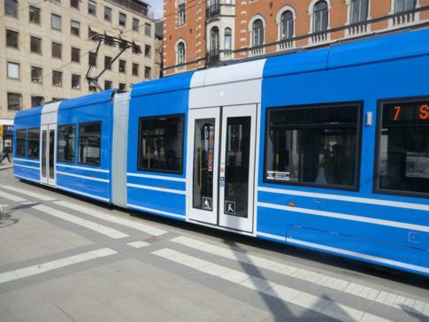 Eine Straßenbahn am Norrmalmstorg