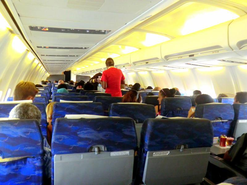 Economy Class der Surinam Airways auf dem Flug nach Paramaribo