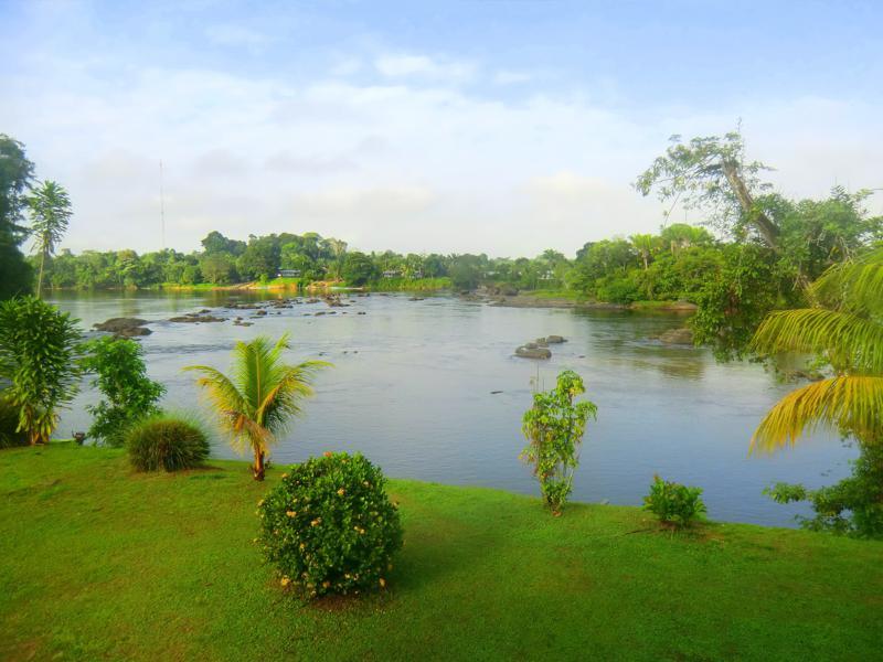 Toller Ausblick auf den Suriname River vom Hotel Botopassie