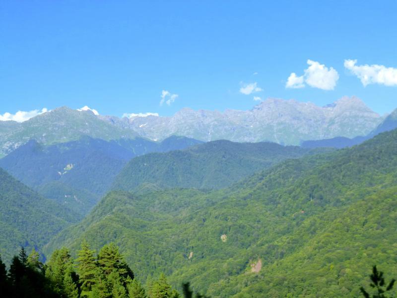 Vorfreude auf die Berge des Kaukasus: die Anfahrt nach Svaneti
