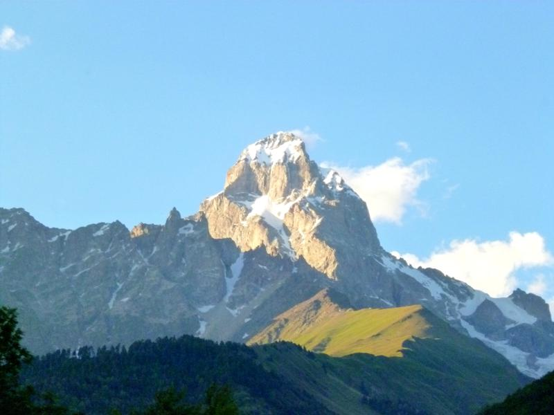 Der Mount Ushba, einer der dominierenden Gipfel in der Svaneti-Region
