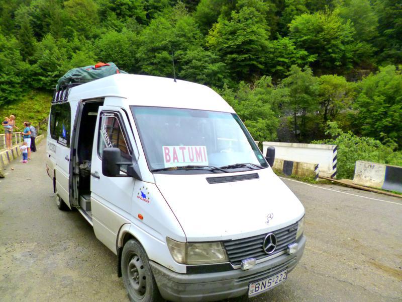 Unser Marshrutka von Mestia nach Batumi