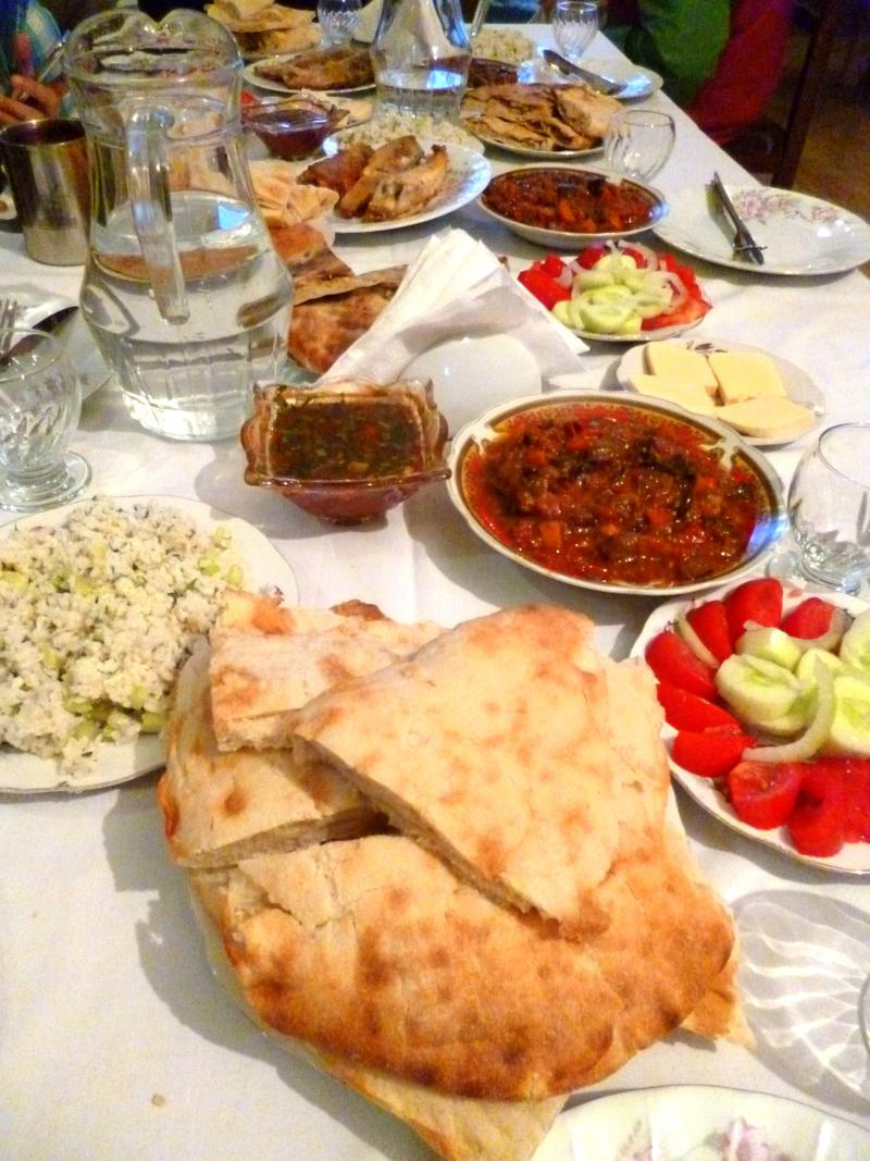 Typisch georgisches Essen in Svaneti