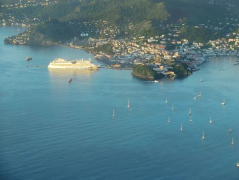Die Aida Luna auf ihrem Besuch in Grenada in der Hauptstadt St. George's
