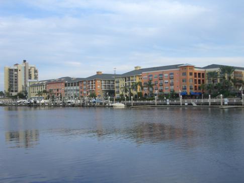 Schöne Promenade entlang des Channelside in Tampa