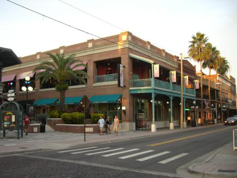 Ybor City in Tampa in Höhe der 7. Strasse