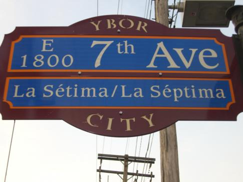 Die 7. Straße in Ybor City in Tampa