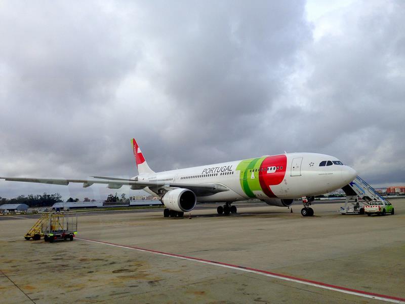 Ein Flugzeug von TAP Portugal am Flughafen Lissabon