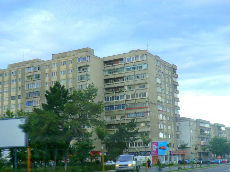 Plattenbauten im rumänischen Targu Mures in Transsilvanien