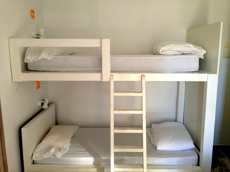Schlafräume im La Cocotera BoutiqueHostel und Coworking Space in Tarifa