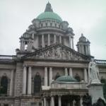 Ein Reisebericht über die Stadt Belfast (hier im Bild: die City Hall)