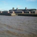 Eine Fahrt über den Mersey River in Liverpool