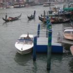 Blick von der Rialtobrücke in Venedig auf den Canale Grande