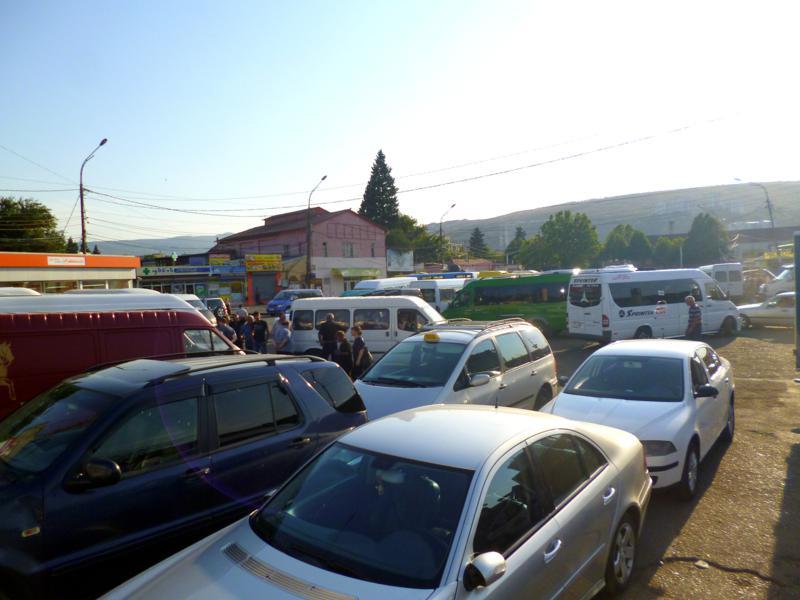 Der Busbhanhof in Didube, die vielleicht unübersichtlichste Stelle in Tiflis